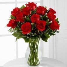 ramo de rosas rojas para dedicar y enamorar