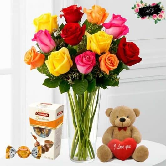 ramo de rosas de colores para regalar con bombones oso de peluche, True Love