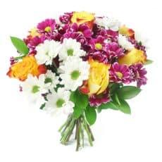 ramo sencillo con rosas bicolor y margaritas blancas y morados