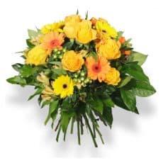 ramo de rosas amarillas con gerberas amarillas y hipericum