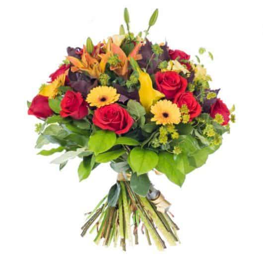 ramo de rosas rojas con gerberas amarillas y lirios naranjas